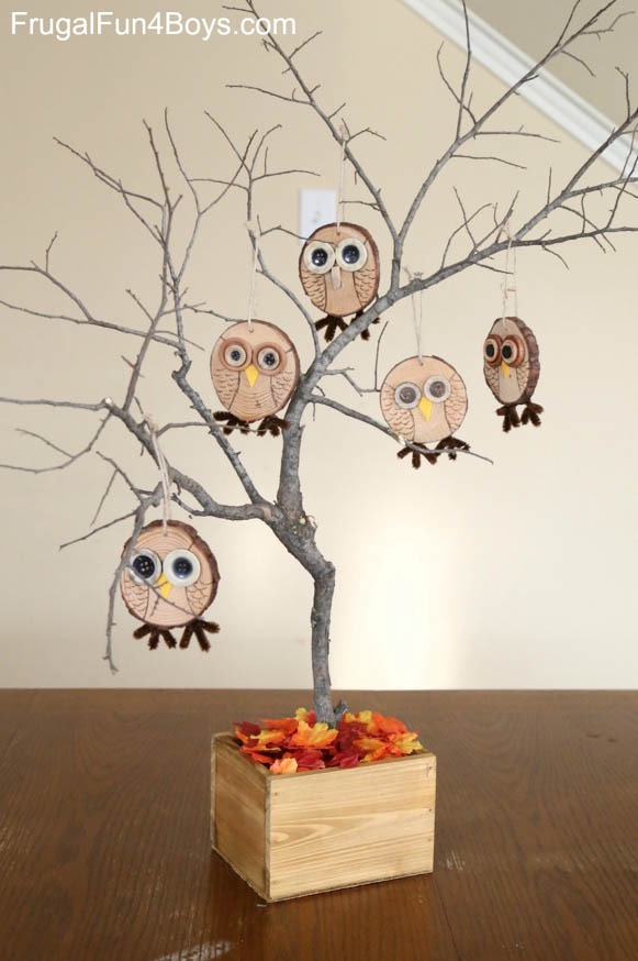 DYI Fall Decorations - Hanging Owl Tree