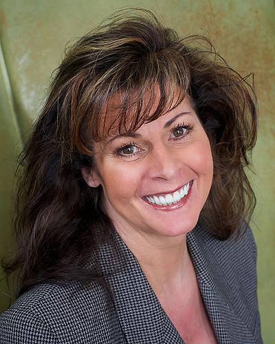 Heidi Hawk Roberts